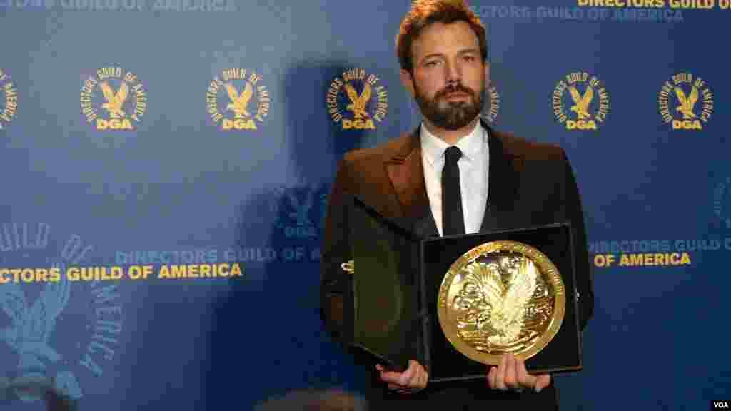 賓艾佛力贏得導演公會大獎(美國之音國符攝影)