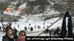 İran qadınları məcburi baş örtüyü - hicaba etiraz edir