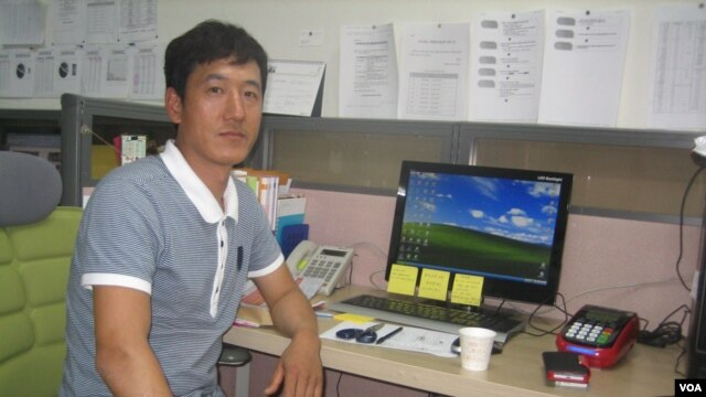 Kim Young-hwang has been working construction jobs in South Korea for about eight years (VOA/Jason Strother).