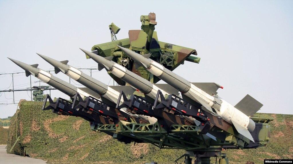 Viện Nghiên cứu Hòa bình Quốc tế Stockholm năm 2016 cho biết rằng Việt Nam đã đặt mua và đã được Nga giao 3 hệ thống tên lửa đất đối không Pechora (ảnh).