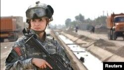 Luego de los escándalos de violación en el Ejército, EE.UU. anuncia nuevas promociones para las mujeres militares.