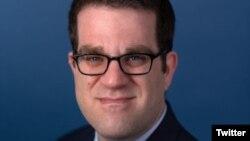 دیوید ادزنیک، مدیر پژوهش در «بنیاد دفاع از دموکراسیها»