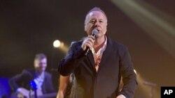جیم کر، خواننده گروه «سیمپل مایندز»