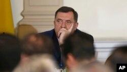 Milorad Dodik prilikom preuzimanja dužnosti u Predsjedništvu BIH, novembar 2018. (AP Photo/Amel Emric)