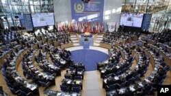 افغانستان خواهان تداوم کمک ها برای یک دهه گردید