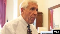 美国众议院拨款委员会负责航空航天局拨款的小组委员会主席福兰克•沃尔夫众议员。(美国之音常晓拍摄)
