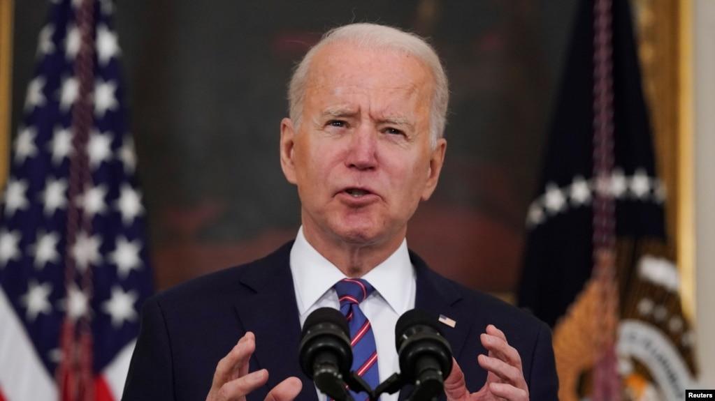 Presiden Amerika Serikat Joe Biden di gedung Putih, Washington, D.C., 2 April 2021. (REUTERS/Erin Scott )