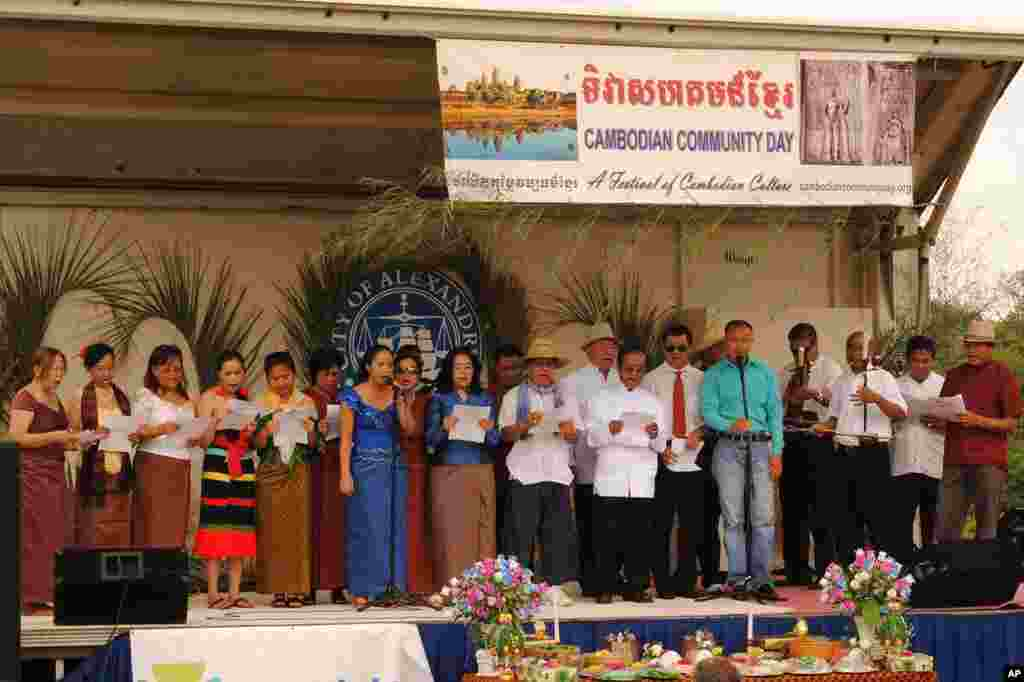 The organizing team member sing 'Pongsavada Khmer' (ពង្សាវតារ​ខ្មែរ), meaning 'Khmer Chronicle', a Cambodian nationalist song that aims to unite, and inspire current and future generations of Cambodians to revive their ancient civilization.