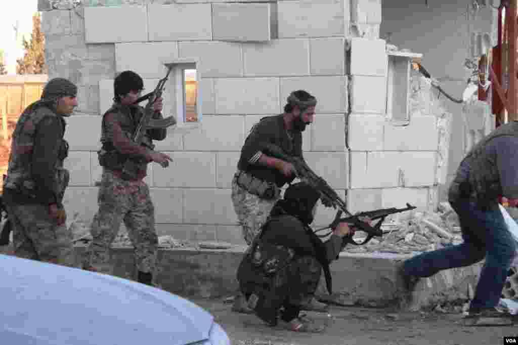 برای شکست داعش، زن و مرد متحد شده اند.