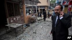 3일 파키스탄 수도 이슬라마바드의 법원 주변에서 폭탄 공격과 총격이 발생해 10여명이 사망했다.