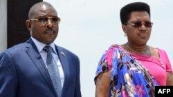 Le président burundais Pierre Nkurunziza et son épouse Denise Nkurunziza à la commémoration du 56e anniversaire de la mort du prince Louis Rwagasore, héros de l'indépendance burundaise, à Bujumbura, le 13 octobre 2017.