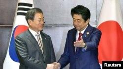 日本首相安倍晉三與南韓總統文在寅在中國成都舉行會晤。(2019年12月24日)