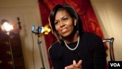 El buen gusto de Michelle Obama se compara, según los críticos, al de Jackeline Keneddy.