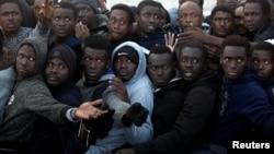 Des migrants ont été secourus au large des côtes libyennes par une opération menée par une ONG espagnole, le 3 février 2017.