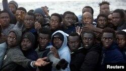 Des migrants ont été secourus au large des côtes libyennes par une opération menée par un ONG espagnole, le 3 février 2017.