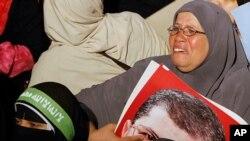 Une partisane de Morsi pleurant après son éviction du pouvoir