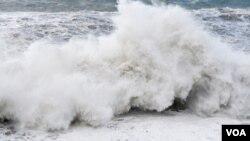 El tsunami llegó a Pago Pago y dejó 14 muertos.