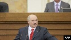Президент Білорусі Олександр Лукашенко виступає в парламенті з щорічною промовою про стан країни.