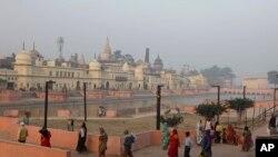 جمیت علما ہند اور آل انڈیا مسلم پرسنل لا بورڈ نے بابری مسجد کی تعمیر کے لیے متبادل زمین لینے سے انکار کر دیا ہے۔ (فائل فوٹو)