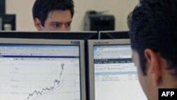 Berzanski posrednici budno prate trendove vrednosti vodećih indeksa