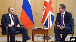 星期四俄羅斯總統普京在巴黎會見了英國首相卡梅倫