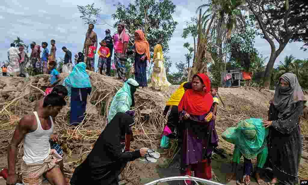 محکمہ موسمیات نے پیش گوئی کی ہے کہ طوفان 'ایمفان' سے بھارت کی دو ریاستوںمغربی بنگال اور اڑیسہ میں کھڑی فصلوں اور باغات کو بھی بڑے پیمانے پر نقصان پہنچ سکتا ہے۔