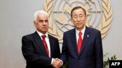 Kıbrıs Türk Cumhurbaşkanı Derviş Eroğlu, BM Genel Sekreteri Ban Ki Moon'la, 24 Eylül, 2011 Birleşmiş Milletler, New York
