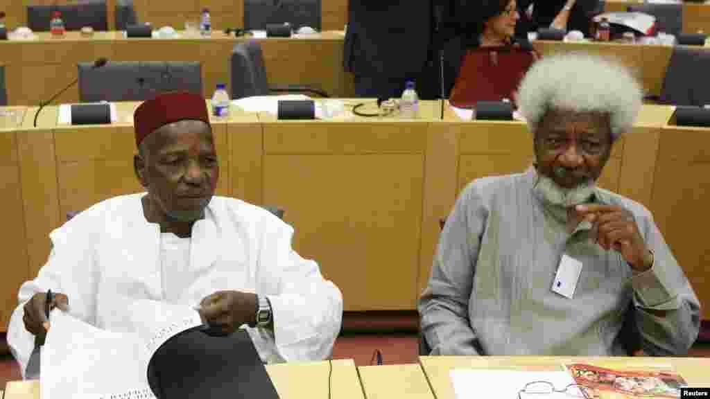 Le photographe Malick Sidibé et le lauréat du prix Nobel de littérature Wole Soyinka, 11 Septembre 2008.