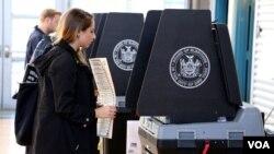 Người dân New York đi bầu tổng thống ngày 8/11/2016.