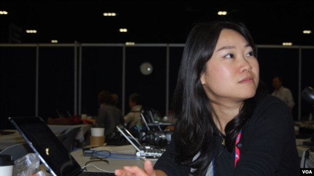 Yingzi Tan is a reporter covering the Republican National Convention for China Daily, Tampa, Florida, August 28, 2012. (J. Featherly/VOA)