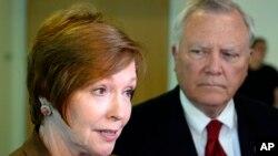 Brenda Fiztgerald, directora del Centro de Control y Prevención de Enfermedades renunció su cargo después de verse involucrada en conflictos de interés financieros. Fitzgerald había tomado el puesto en Julio 2017.