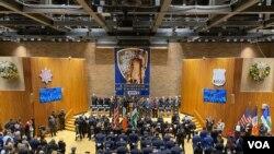 En una ceremonia oficial, el Deartamento de Policía de Nueva York presentó al dominicano Fausto Pichardo como nuevo jefe de Patrulla de la ciudad. Foto Ronec Suarc/VOA.
