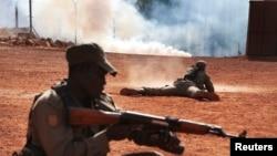 Tentara Mali dalam pelatihan di Koulikoro, Februari 2014.