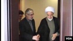 اظهارات جدید احمد علمالهدی نشاندهنده مواضعی نرمتر و متفاوت نسبت به موسوی (سمت چپ) و کروبی است.