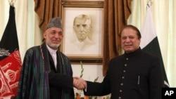 Afg'oniston prezidenti Hamid Karzay Islomobodda Pokiston bosh vaziri Navoz Sharif bilan uchrashmoqda, Islomobod, 26-avgust, 2013-yil