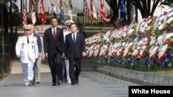 Predsjednik SAD Barack Obama na spomen-kompleksu američkim vojnicima poginulim u Korejskom ratu