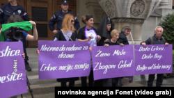 Ispred Patrijaršije Srpske pravoslavne crkve (SPC) održano okupljanje grupe ženskih nevladinih organizacija povodom Međunarodnog dana - akcija za reproduktivna prava i žensko zdravlje, Foto: video grab