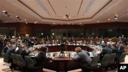 За почеток на преговорите со ЕУ неопходно решение за спорот со името