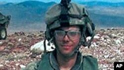سرباز امریکایی که به سه سال زندان شده است.
