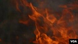 El gobernador de Puerto Rico declaró estado de emergencia por las repercusiones del incendio.