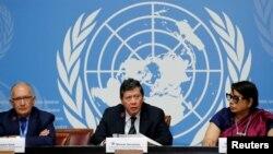 Các thành viên của Phái đoàn Điều tra Quốc tế Độc lập về Myanmar tại một cuộc họp báo ra mắt báo cáo tại trụ sở Liên Hiệp Quốc ở Geneva, Thụy Sỹ. Các nhà điều tra của LHQ tố cáo quân đội Myanmar tội diệt chủng.