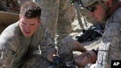 아프가니스탄에서 작전을 수행하다 부상당한 미군 병사