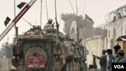 Pasukan koalisi dan pasukan Afghanistan di Kandahar.