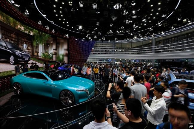 2018年4月29日北京的中国车展展出的电动概念车。
