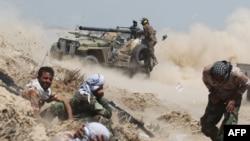 伊拉克親政府民兵向伊斯蘭國組織陣地進攻