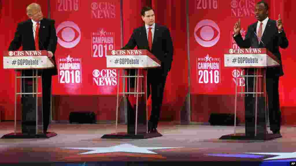 Les anciens candidat présidentiel républicain, Ben Carson, le sénateur Marco Rubio et le cantidat républicain, Donald Trump, lors d'un débat présidentiel, le 13 février 2016.