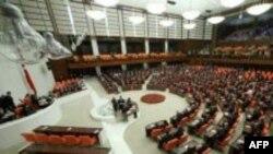 Cumhurbaşkanı Gül Anayasa Değişiklik Paketini Onayladı