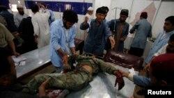 Blast Targets Pakistani Security Personnel