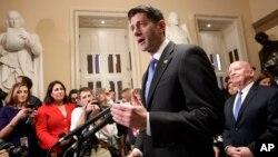 Ketua DPR AS Paul Ryan, memberikan keterangan kepada media setelah DPR AS meloloskan RUU Perombakan Pajak di Capitol Hill, Washington DC, Selasa (19/12).