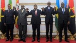 Ba présidents ya Angola Joao Lourenço (C) ya Congo-Brazzaville Denis Sassou Brazzaville (G) ya Ouganda Yoweri Museveni (2 G) ya Rwanda Paul Kagame (2 L) na ya RDC Félix Tshisekedi nsima likita lya CIRGL na Luanda, 21 aout 2019.